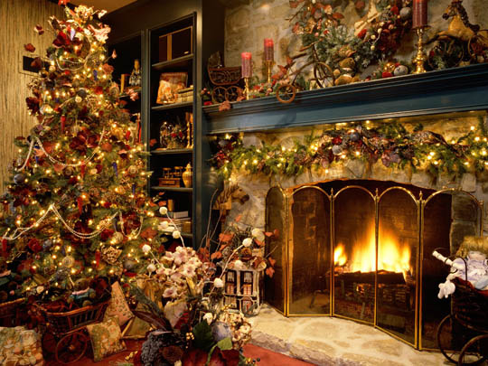 Collection of Beautiful Christmas Wallpapers to Decorate Your ...